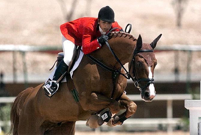 La princesa jordana participando en una competición ecuestre en Amman. (Foto: EPA)