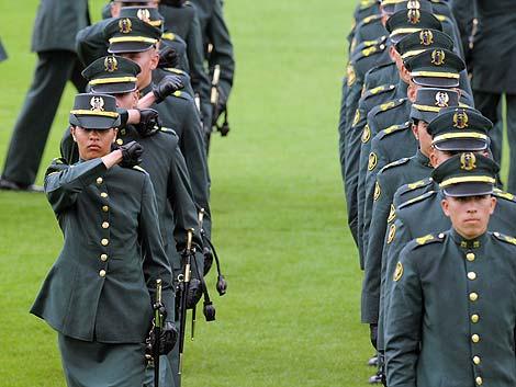 Graduación de cadetes en el Ejército colombiano.   Afp