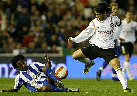 Ever Banega, en un partido de la pasada temporada con el Valencia | Alberto Di Lolli
