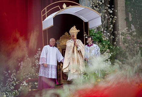 El Papa Benedicto XVI en la Basílica de San Pedro de Roma, | Afp