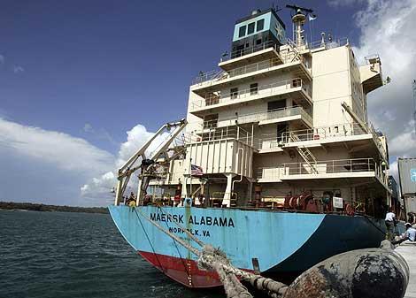 El 'Maersk Alabama', tras atracar el sábado en Mombasa.   Reuters