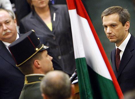 Gordon Bajnai jura su cargo en el Parlamento de Budapest. | Reuters
