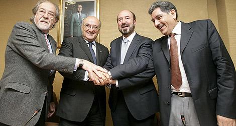 El equipo de abogados españoles que participará en el juicio. | Efe