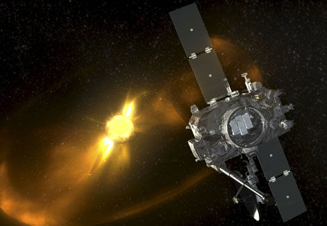 Un observatorio STEREO y al fondo el Sol. | NASA