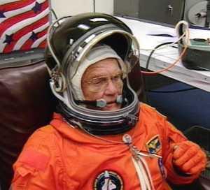 El astronauta John Glenn, el 29 de octubre de 1998, a punto de volver al espacio desde Cabo Cañaveral. Nasa