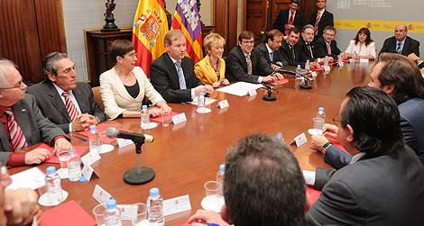 De la Vega se ha reunido con los representantes del sector turísitco   Pep Vicens