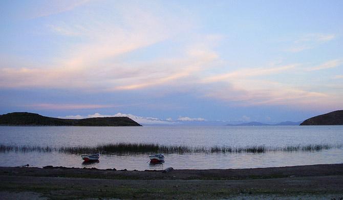 Atardecer en el Lago Titicaca visto desde la Isla del Sol. (Foto: W. Fernández)