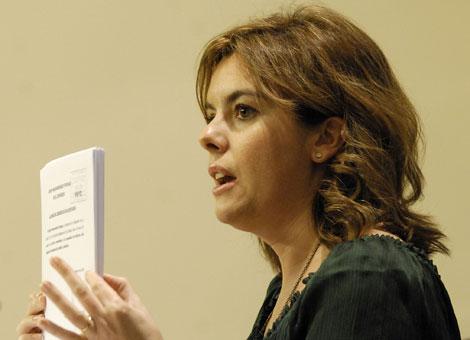 Sáenz de Santamaría durante una rueda de prensa en el Congreso   Bernardo Díaz