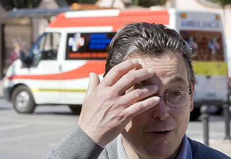 El padre del joven de 24 años ingresado en Valencia, sospechosos de gripe porcina. | Efe