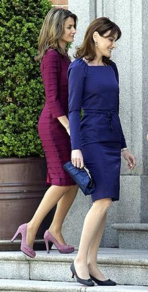 Letizia reciba a Carla. | Reuters