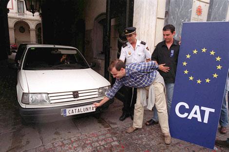Acto a favor del CAT en las matrículas en Barcelona en 2000 | D. Umbert