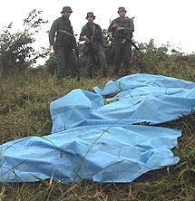 Cuerpos de los militares venezolanos fallecidos en un accidente.   Efe