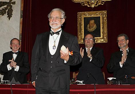 El escritor José María Merino, en su acto de ingreso a la RAE. | EFE