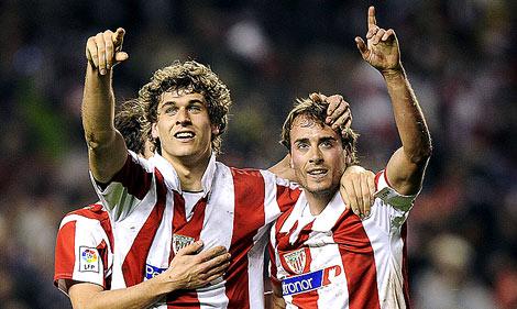 Llorente y Yeste celebran uno de los goles en la semifinal ante el Sevilla. | Reuters