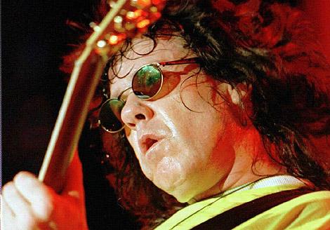 Gary Moore deja atrás su rock duro y vuelve con más blues. | Ap