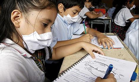 Varios alumnos, en una escuela colombiana. | Efe