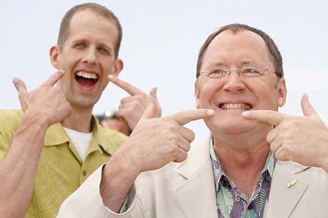 El productor John Lasseter (d) y el director Pete Docter, en la presentación de 'Up'.   Efe