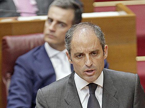 Francisco Camps y Ricardo Costa -en segundo término-, en las Cortes Valencianas. | Efe