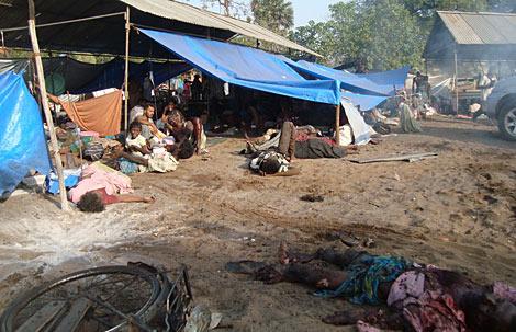 Hospital en la 'No Fire Zone' tras un bombardeo. Murieron 26 personas.