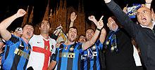 Celebración en Milán. [ÁLBUM]