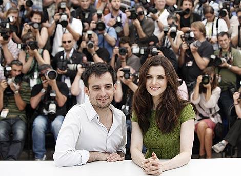 Amenábar y Rachel Weisz, protagonista de 'Ágora'. | Foto: AP