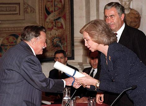Mario Benedetti recibe el premio Reina Sofía de Poesía Iberoamericana. | Efe
