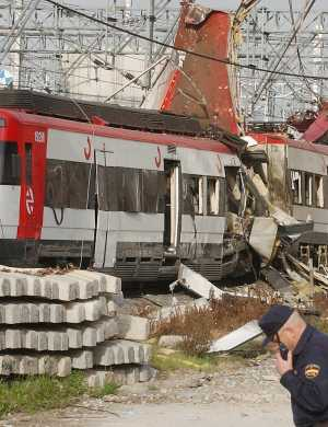 Imagen de uno de los trenes tras las explosiones, tomada el 11-M, en la estación de Atocha (Foto: Jaime Villanueva)