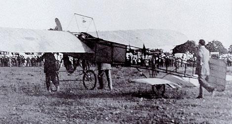 El Blériot XI en el Hipódromo Balear antes de su despegue. | AENA-SON SANT JOAN