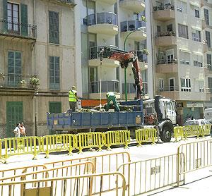 Operarios talando árboles   Pedro Prieto