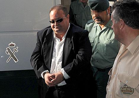 Antonio Herrera, a su llegada a la Audiencia provincial de Granada. | J. Gª Hinchado