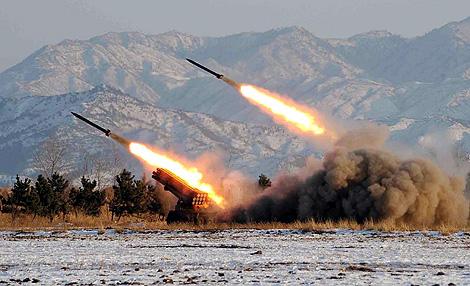 Varios misiles norcoreanos como los usados esta vez.   Ap