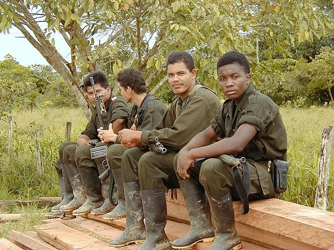 Guerrilleros de las FARC en el Caquetá. (Fotos - Archivo: Hdez-Mora)