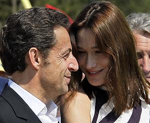 Carla Bruni y Nicolas Sarkozy.   Reuters
