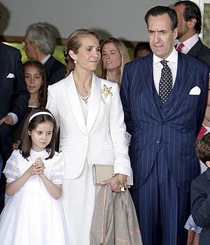 La Infanta Elena y Jaime Marichalar, junto a su hija.   Efe.