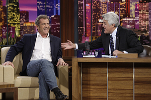 Mel Gibson con Jay Leno.   Reuters.