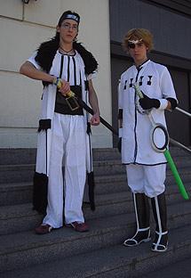 Dos otakus a punto de entrar al salón. | L.M.