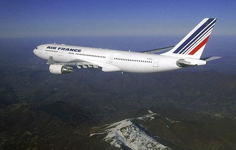 Foto de un Airbus A330-200 similar al desaparecido este lunes. | Reuters