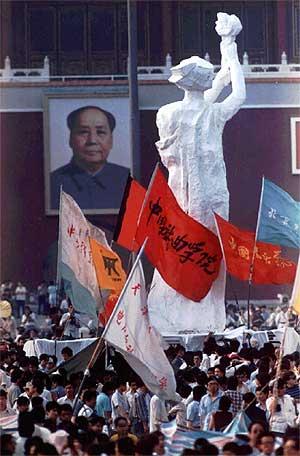 20 años después la libertad no ha conseguido iluminar la plaza de Tiananmen. (Foto: AP)