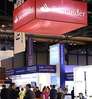 'Stand' del Banco Santander en el Salón Inmobiliario de Madrid 2009 | Sergio Enríquez