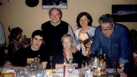 Fin de año de 2006, junto a Quim Momzó y su marido, actor de 'El cor de la ciutat'.