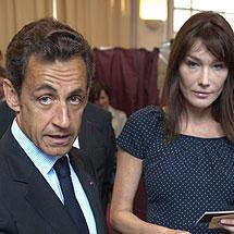 Nicolas Sarkozy y Carla Bruni. | Reuters