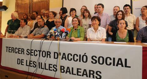 Miembros de las distintas ONG's que denuncian la situación | Pep Vicens
