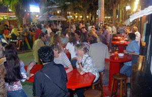 Turistas en el Arenal | El Mundo
