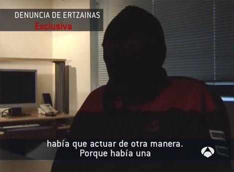 Imagen de las declaraciones de los ertzainas a Antena 3. | E.M.