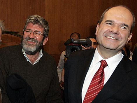 Los hermanos Leonardo y Manuel Chaves la noche electoral del 9 de marzo de 2008. | J. Morón