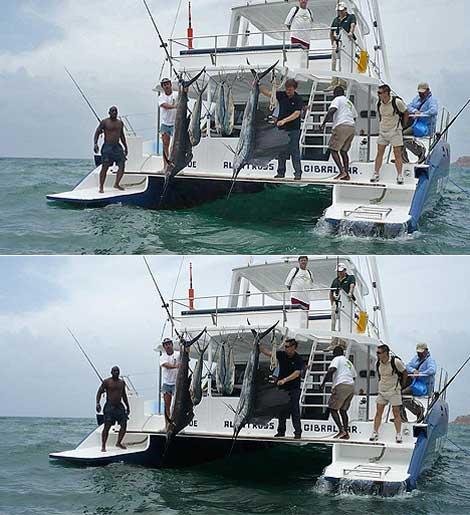 Arriba, foto con Alberto Saiz, en el centro vestido de negro, con un pez espada, en julio de 2008. Abajo, la foto manipulada, en la que la cabeza de un agente sustituye a la de Saiz. | EL MUNDO