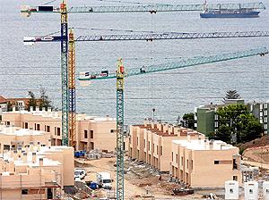 Promoción de viviendas en construcción en el Este de Málaga | Antonio Pastor