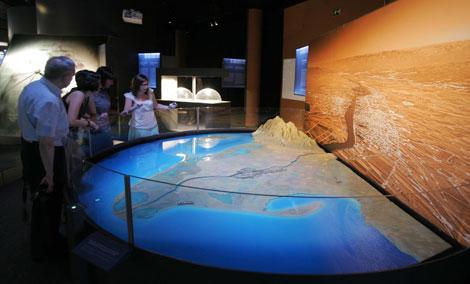 Una maqueta del delta del Ebro que muestra cómo podría inundarse en las próximas décadas debido al cambio climático. | Cosmocaixa