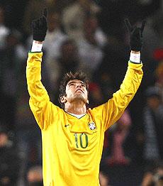 Kaká celebra uno de los goles. | Reuters