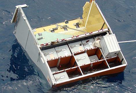 Restos del avión de Air France siniestrado en el Atlántico. | Reuters